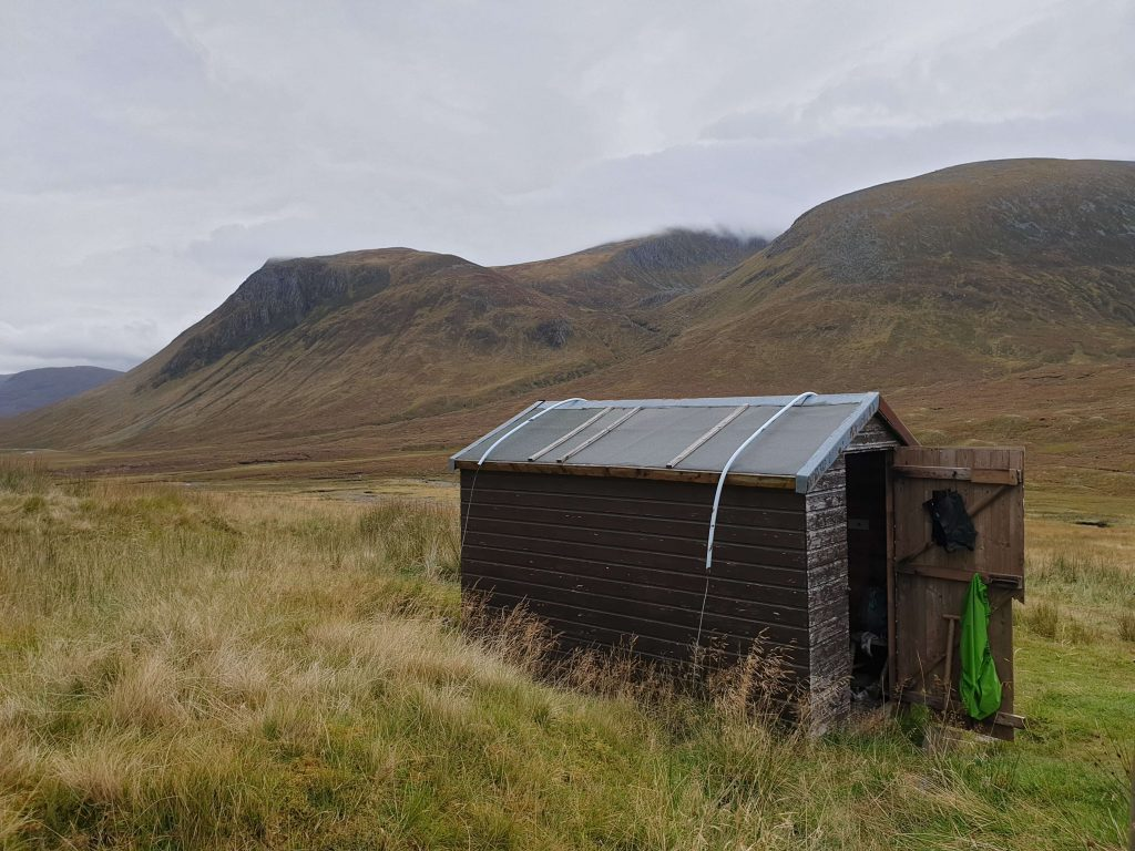 Glenuaig Bothy in the valley
