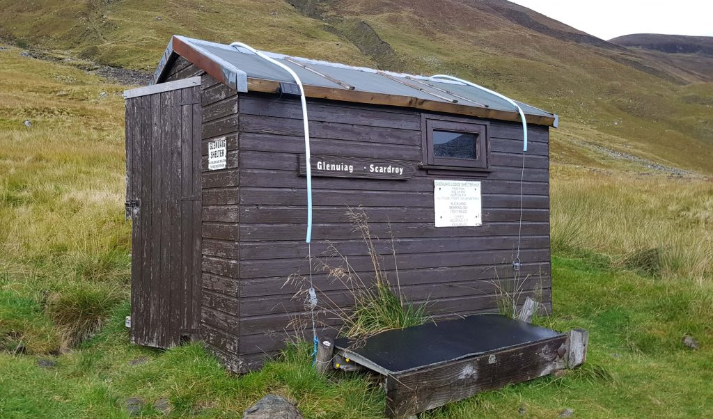 Gluaig Bothy - a shed held down by straps